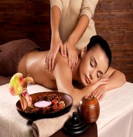 Giường Massage Body – Nội Thất Góp Phần Tăng Doanh Thu Cho Spa Của Bạn