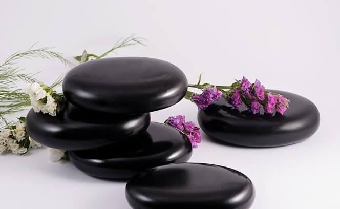 đá massage nóng ovan trung
