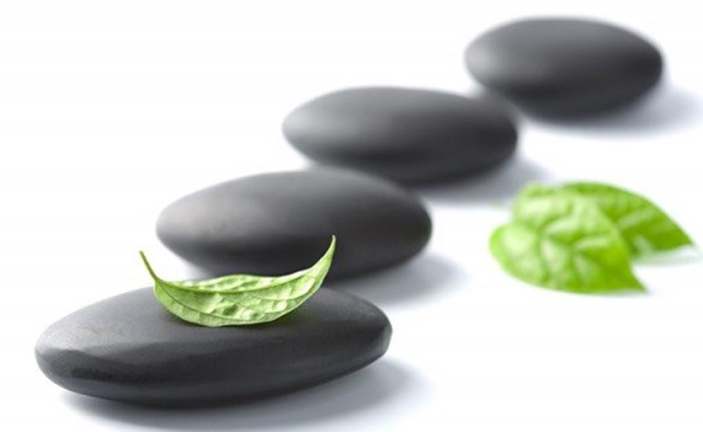 Nâng cấp dịch vụ massage tại spa với nguồn năng lượng tuyệt vời từ đá nóng massage