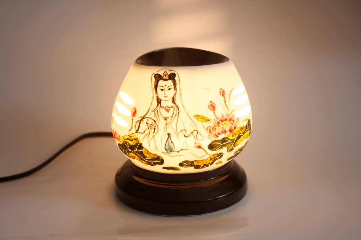 Tạo không gian thư giãn tràn ngập hương thơm dịu nhẹ, thư thái với đèn xông tinh dầu hình ảnh 4